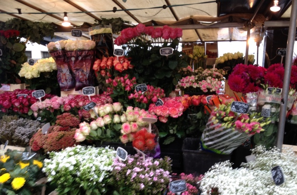 Love-flowers-Paris-Street-market-2014