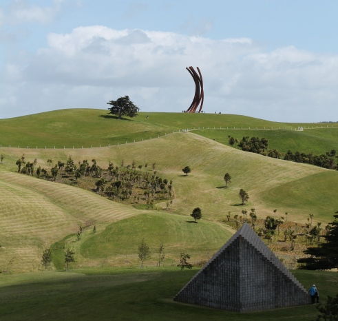 Bernar Venet - 88.5o ARCx8 2001 on the hill. Sol Le Witt - Pyramid (Keystone NZ) 1997 in foreground.
