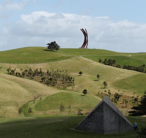 Bernar Venet - 88.5o ARCx8 2001 on the hill. Sol Le Witt - Pyramid (Keystone NZ) 1997 in foreground.