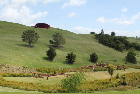 Anish Kapoor - Dismemberment, Site 1 on the hill. In the foreground Peter Nicholls - Rakaia 1996 / 1997