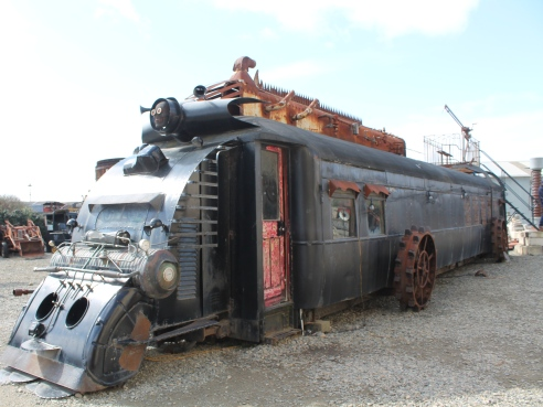 Steampunk HQ train runner